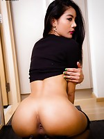 asian shemales lesbians